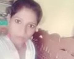 Indian desi school girl showings her undisguised body