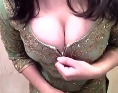 sexy girl reveals her body from salwar